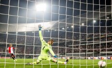 Feyenoord Tonny Vilhena scores goal Manchester United