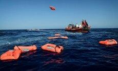 Spānija izglābj gandrīz 500 Vidusjūru šķērsojošus migrantus