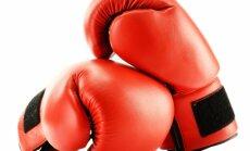 Jaunais bokseris Gorbunovs zaudē EČ skolēniem pirmajā cīņā
