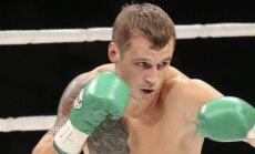 Par Brieža pretinieku titula cīņā kļuvis bokseris Huks
