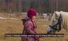 Dokumentālās filmas 'Turpinājums' varone – poniju mīļotāja Anastasija no Stoļerovas