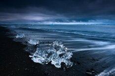 Satriecoši Islandes kadri no franču fotogrāfa
