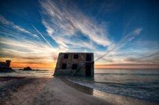 Впечатляющие кадры: из моря вышли развалины форта лиепайской Каросты