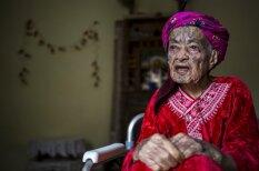 Vecmāmiņas, kuru sejas jaunībā tika aptetovētas modes vārdā