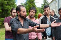 Bēgļu dzīve 'Muceniekos' – 2,15 eiro dienā, sporta zāle un garlaicība