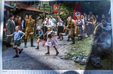 """Этот """"календарь настоящего патриота"""" за 70 евро ужасен настолько, что прекрасен"""