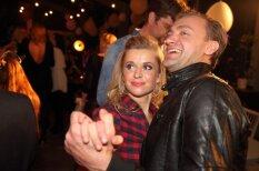 Foto: Neprātīgas dejas un pekstiņi 'Izklausies redzēts' ballītē