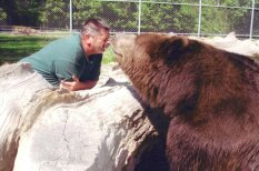 Дружба человека и медведя возможна, и вот тому несколько доказательств!