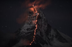 Simtiem alpīnistu uzņem grandiozus un iespaidīgus kadrus