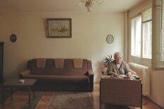 Kā cilvēki dzīvo vienādā dzīvoklī vienas mājas desmit stāvos