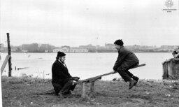 Arhīva foto: Kinorežisora un rakstnieka Aivara Freimaņa radošās dzīves mirkļi