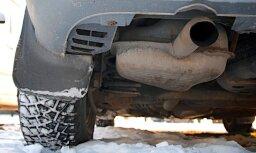 'Delfi Aculiecinieks' taujā: vai ceļu nodokli būtu jāiekļauj degvielas cenā?