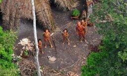 Последний туземец племени в джунглях Амазонки впервые попал на видео