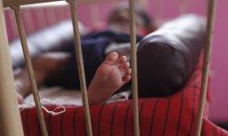 У пьяных родителей забрали младенца, который подвергался насилию