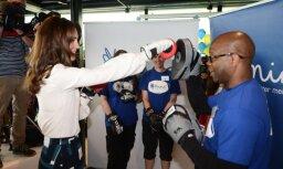 Foto: Kembridžas hercogiene Katrīna izmēģina spēkus boksā