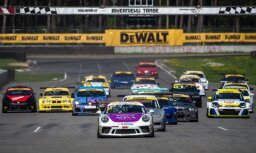 Autošosejas dalībnieki pulcējas 'Riga Summer Race' festivālā Biķernieku trasē