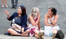 ФОТО: Британские леди ушли в отрыв на скачках