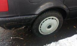 Полиция задержала наркомана, проколовшего покрышки у 44 автомобилей