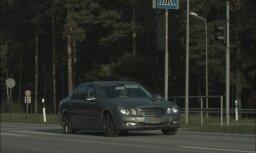 """Фоторадар зафиксировал Mercedes-Benz, который """"летел"""" в Ригу со скоростью 153 км/ч"""