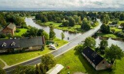 Foto: Kā pēc pārbūves izskatās autoceļš Bārbele - Skaistkalne
