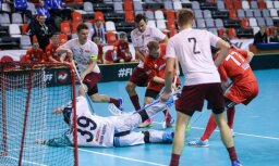 Latvijas florbola izlase pārspēj arī Krieviju un izcīna trešo uzvaru PČ kvalifikācijā