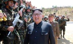 Ziemeļkorejas līderis slavē plānu par raķešu triecienu Guamai