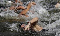 Pēc trim izlaistām dopinga analīzēm austrāliešu olimpiskais peldētājs saņem gada diskvalifikāciju