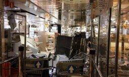 Foto: Vētrā iekļuvis arī prāmis 'Isabelle'; kuģis kursē pēc grafika