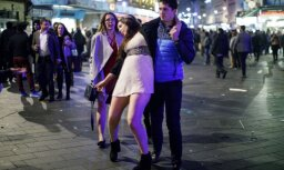 ФОТО: Как отмечали Новый год на улицах британских городов
