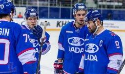 Lidmašīnas negadījumā iesaistītā 'Lada' noslēdzošajā KHL mačā piekāpjas 'Salavat Julajev'