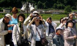 tūristi
