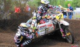 Stupelis/Bakss izcīna trešo vietu blakusvāģu motokrosa pasaules čempionāta kopvērtējumā