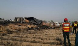 Aizdegoties kravas auto, Pakistānā bojā gājuši vairāk nekā 120 cilvēku