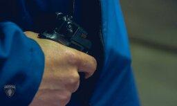 Vecmīlgrāvī agresīvs vīrietis šauj uz policistiem