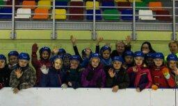 Valmieras Pārgaujas skolēni 'Sporto visa klase' ietvaros viesojas Vidzemes Olimpiskajā centrā