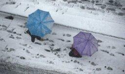 Svētdien vietām gaidāms lietus un slapjš sniegs