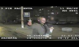 """ВИДЕО: полиция просит опознать хулигана, напавшего на бригаду """"скорой"""""""