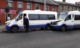 Mikroautobusu avārija Āgenskalnā: vienu šoferi atstādina no amata
