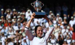 Alona Ostapenko celebrates win Roland Garros 2017 French Open