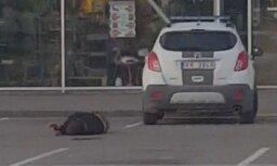 ВИДЕО: полиция обещает дать оценку драке на стоянке возле супермаркета