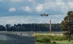 Spēcīgā vēja dēļ lidostā 'Rīga' traucēti lidojumi