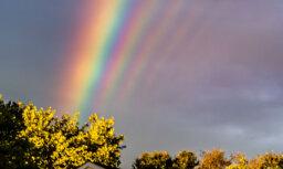 Foto: Ļoti rets dabas fenomens – vairākkārtu varavīksne