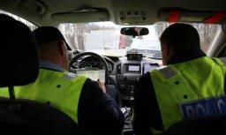 За минувшие сутки на дорогах Латвии пострадали девять человек