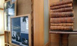 Laikraksts: laika apstākļu un iekavēto remontu dēļ problēmas arī memoriālajos muzejos