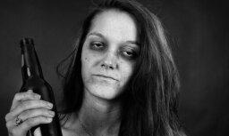 Рига: женщина повадилась есть, пить и спать прямо в магазине