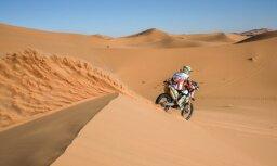 Enduro sportists Alvis Lecis uzveicis Āfrikas tuksnesi