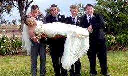 Par sensāciju kļūst kāzu foto misēklis no Austrālijas