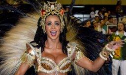 Foto: Ugunīga sambas dejotāja, kura ikdienā dzēš liesmas
