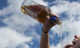 Alkohola tūristu aptauja: igauņi Latvijā iztērē līdz pat 250 eiro
