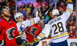 Girgensons gūst savus NHL sezonas pirmos vārtus
